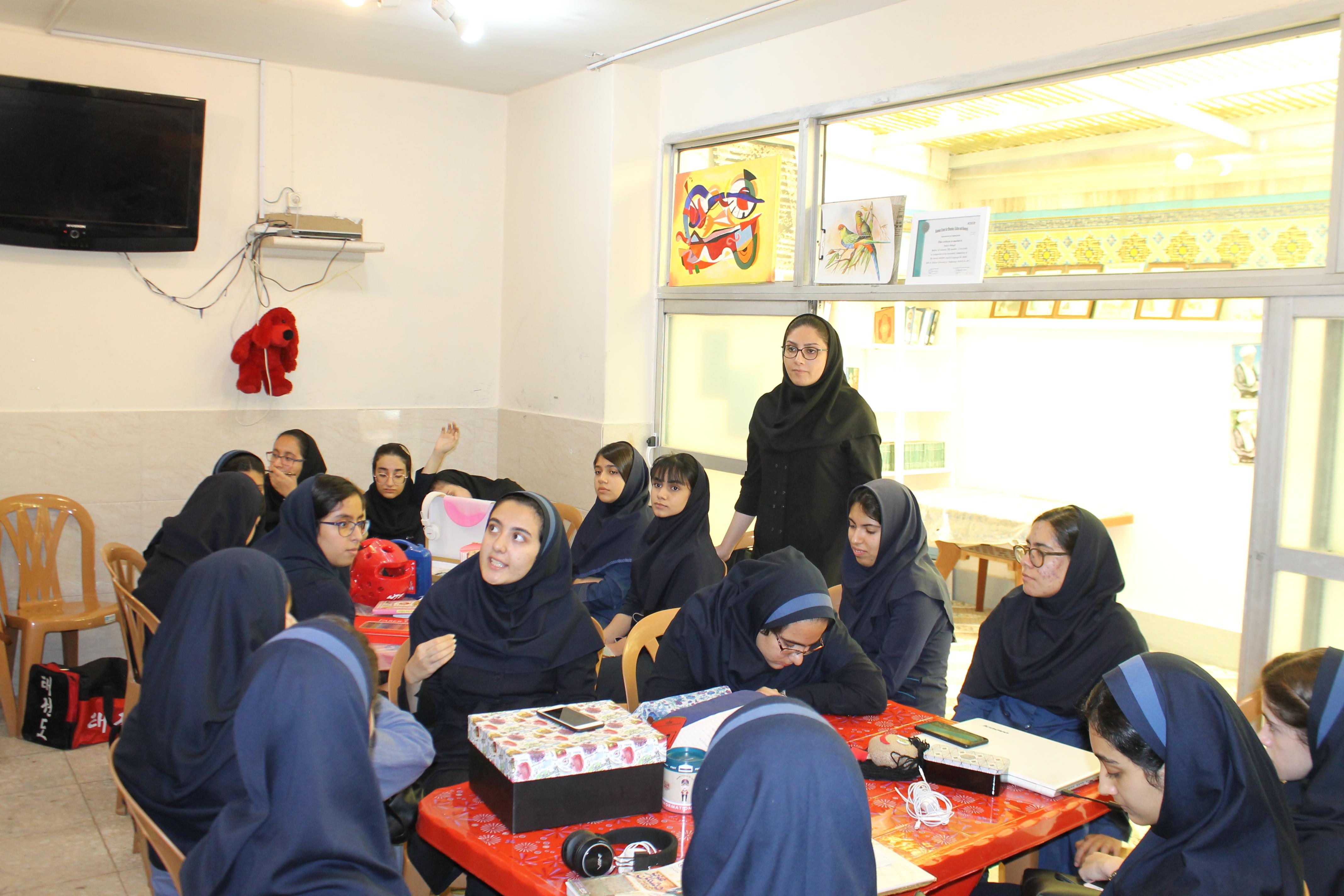 کارگاه تفکر طراحی در مدرسه (تابستان1398)